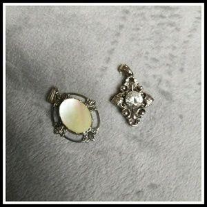 Jewelry - Costume jewelry pendants